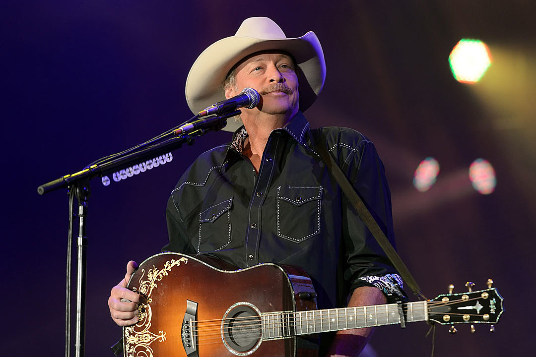 Alan Jackson Has Been Living With a Degenerative Nerve Condition
