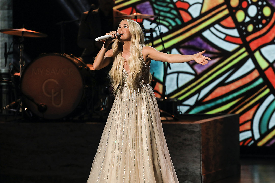 Carrie Underwood + CeCe Winans' Gospel Medley at ACMs Shines