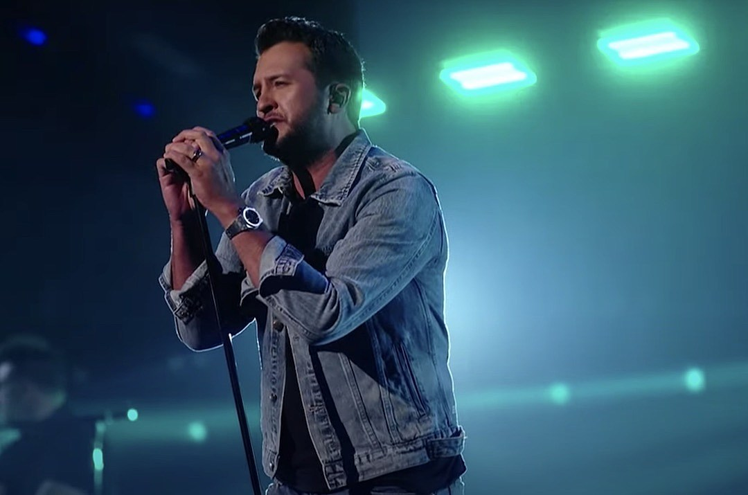 Luke Bryan Dazzles With 'Waves' on the 'American Idol' Stage
