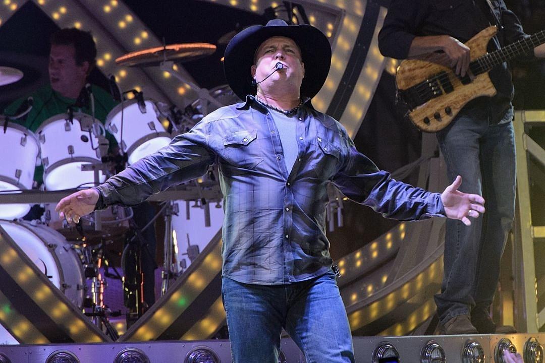 Garth Brooks Won't Raise Ticket Prices on His 2021 Stadium Tour