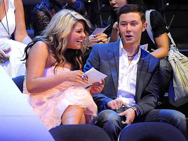 Scotty McCreery och Lauren Alaina dating Hur man berätta för din vän du dejtar deras ex