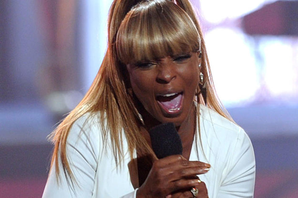 Mary J  Blige Kicks Off 2011 BET Awards With Special Guest
