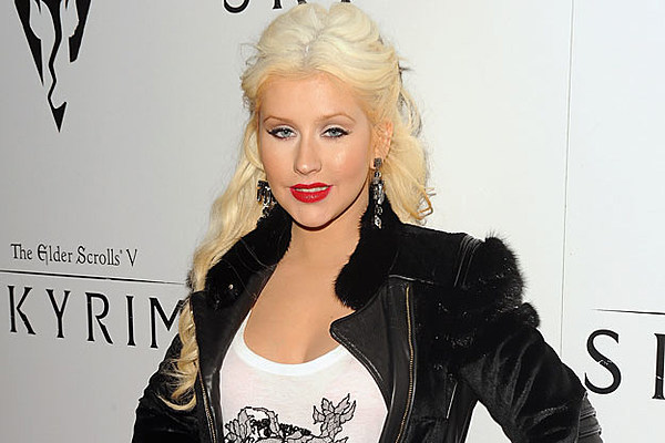 Christina Aguilera Tries To Entice Homebuyers With New