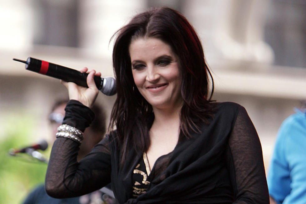 Lisa Marie Presley Performs 'You Ain't Seen Nothing Yet' on