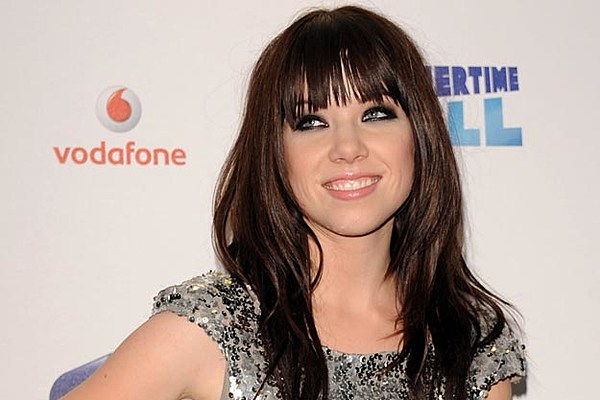 Carly Rae Jepsen's 'Call Me Maybe' Hits No. 1
