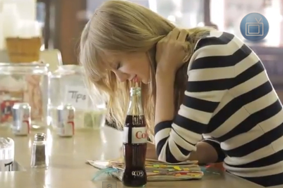 Taylor Swift Takes Fans Behind The Scenes Of Her Diet Coke Commercial Video
