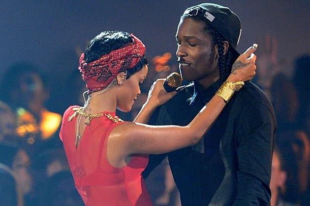 TI Rihanna dating