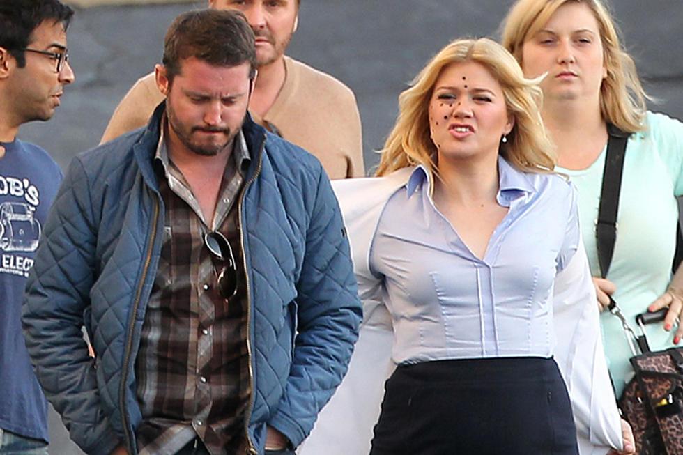 Kelly Clarkson Brandon Blackstock S Ex Wife Slam Cheating Rumors