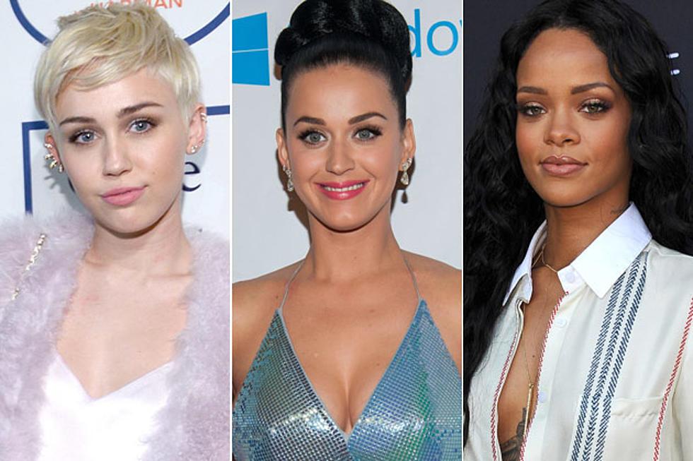 Celebrity Girls Kissing Girls