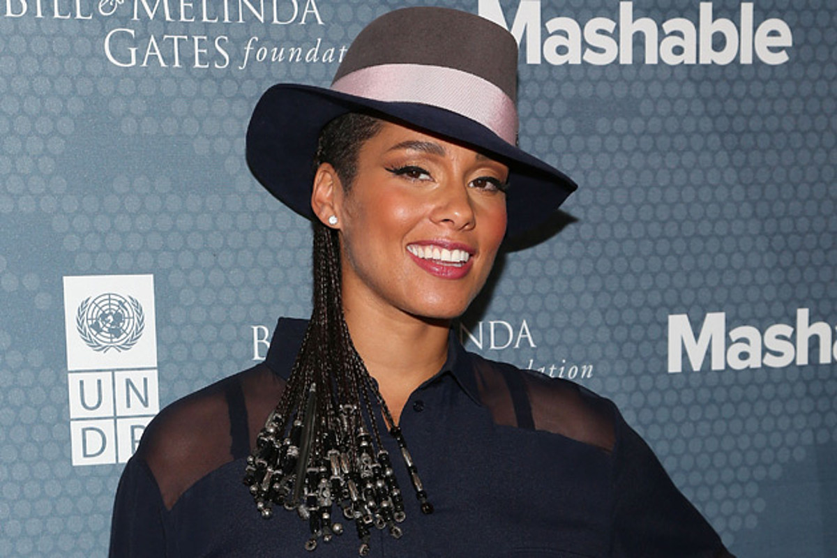 The 65 Connection: Alicia Keys Poses Nude In Support Of