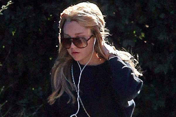 Amanda Bynes does suffer from bi-polar disorder and