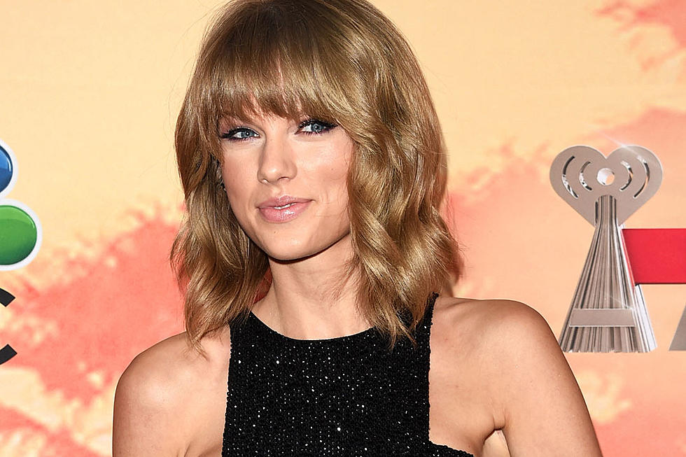 Taylor Swift Takes Her Sibling Easter Egg Hunt Very Seriously