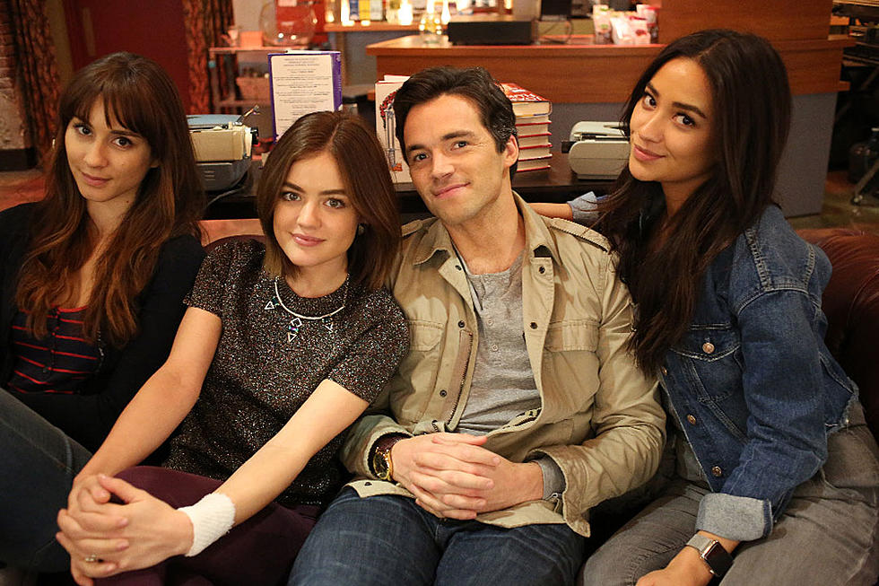 Pretty Little Liars' Actor Ian Harding Comments on Rumored