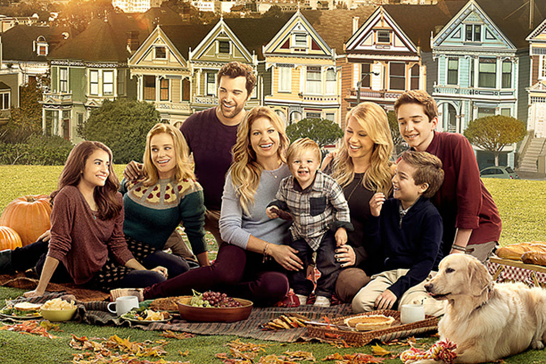 Full House Christmas Episodes.Fuller House Season 2 To Return This Year Everything We