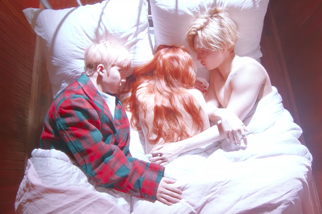 365 Fresh Hyuna Scandalizes Again With Triple H For A Bloody Good Time