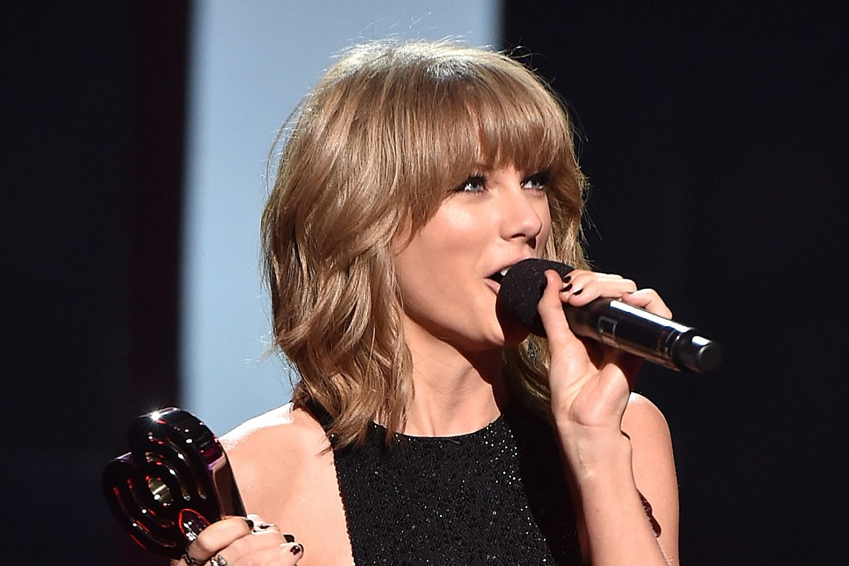 Taylor Swift Delivers Nsfw Story At Her Bff S Wedding