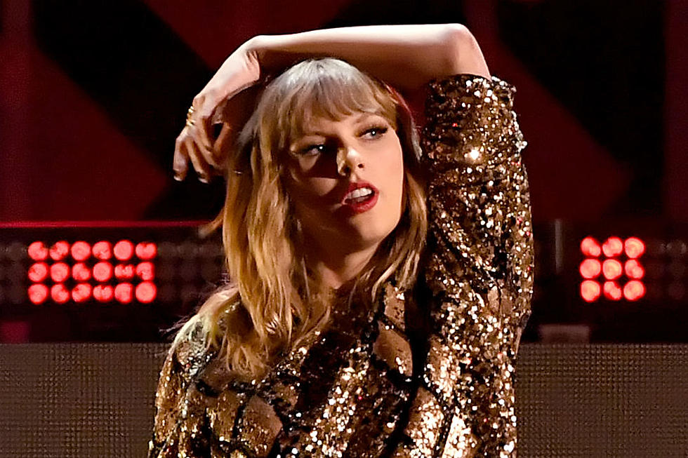 Taylor Swift Spins Round and Round in New One-Take 'Delicate