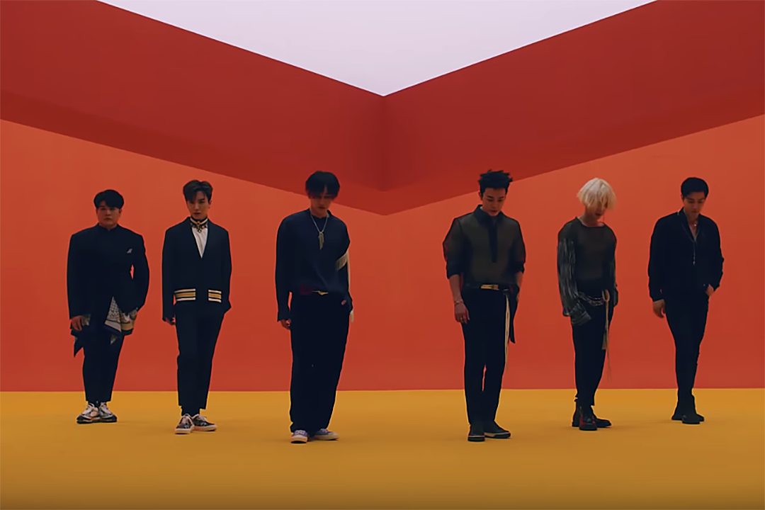 Super Junior Releases 'Replay' Album, 'Lo Siento' Video