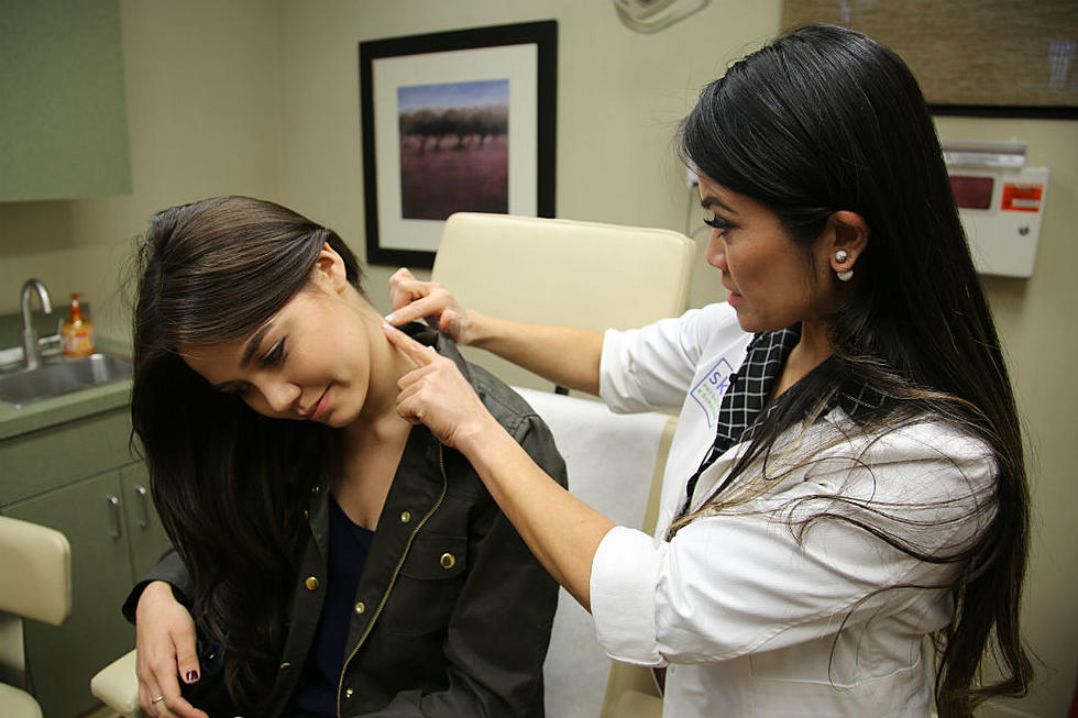 Can You Stomach Tlc S New Show About Pimple Cyst Popping