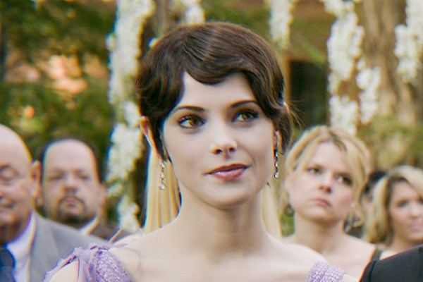 'Twilight' Star Ashley Greene Wed in a Forest, Bella Swan ...