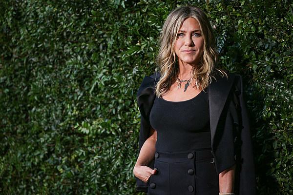 Jennifer Aniston's Private Jet Forced to Make Emergency Landing