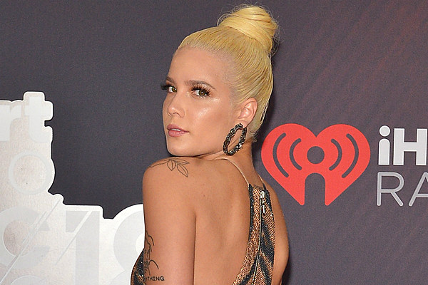 2019 iHeartRadio Music Awards Red Carpet Gallery (PHOTOS
