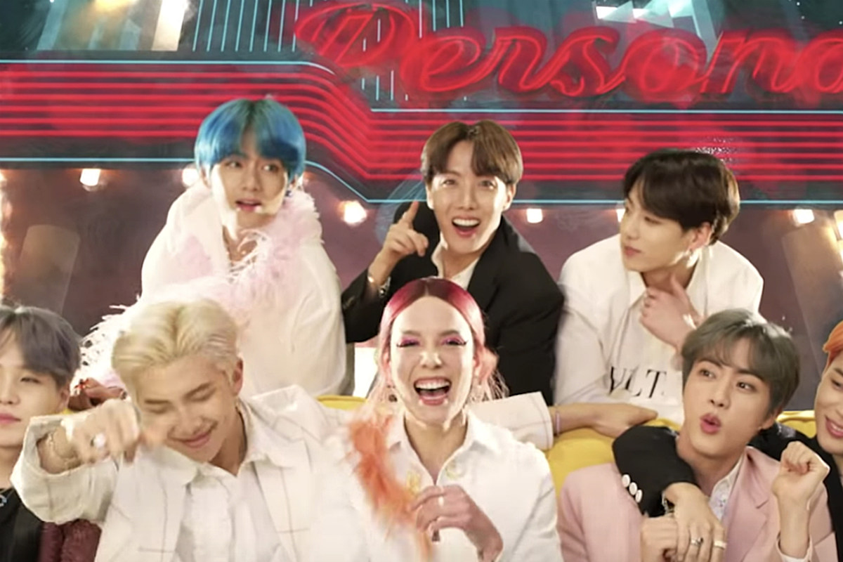 Halsey Gives BTS Matching Friendship Bracelets Ahead of BBMAs