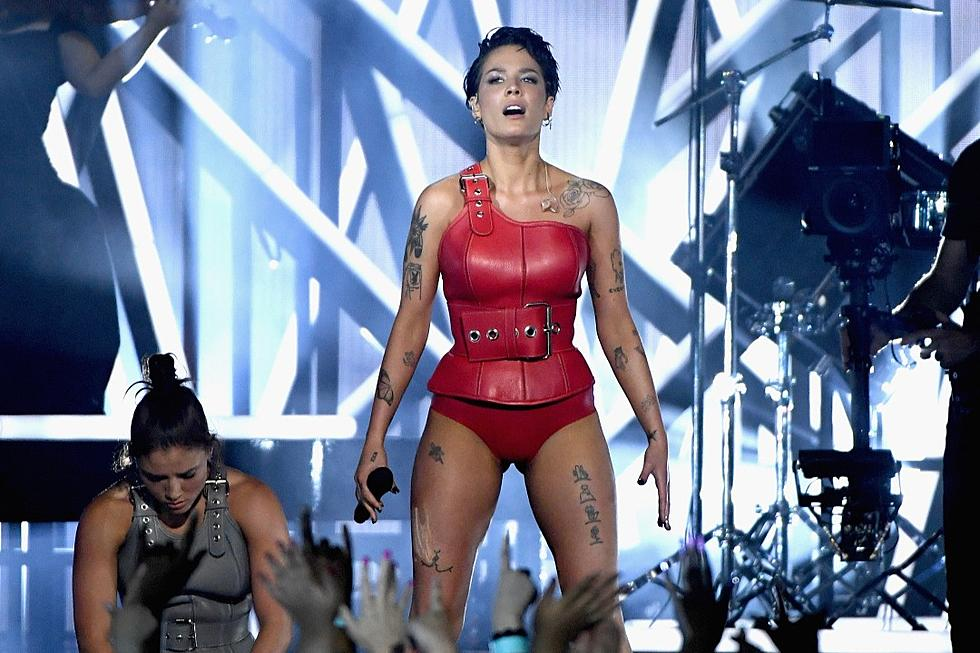 Halsey Performs 'Without Me' at The 2019 BBMAs