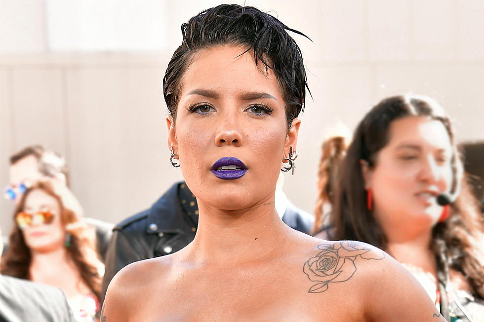 Halsey's Unshaven Armpits Draw Mixed Reactions