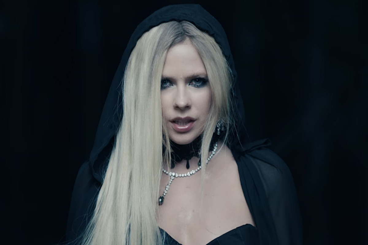 Avril Lavigne Releases I Fell In Love With The Devil Video