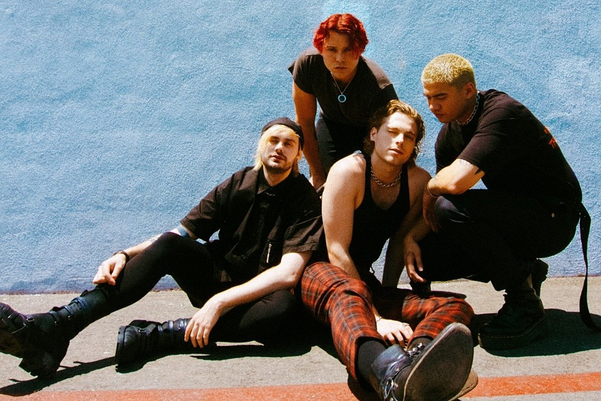 5 Seconds of Summer Debut 'Teeth' Music Video