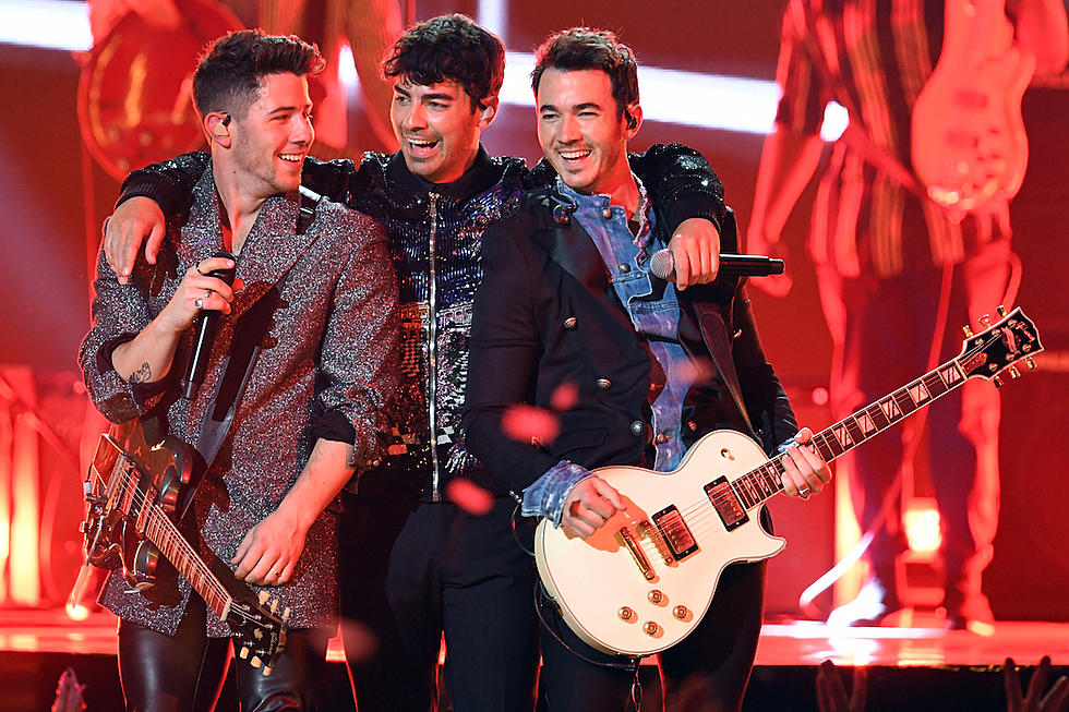 Jonas Brothers Discuss How It Feels to Bring Their Wives on Tour