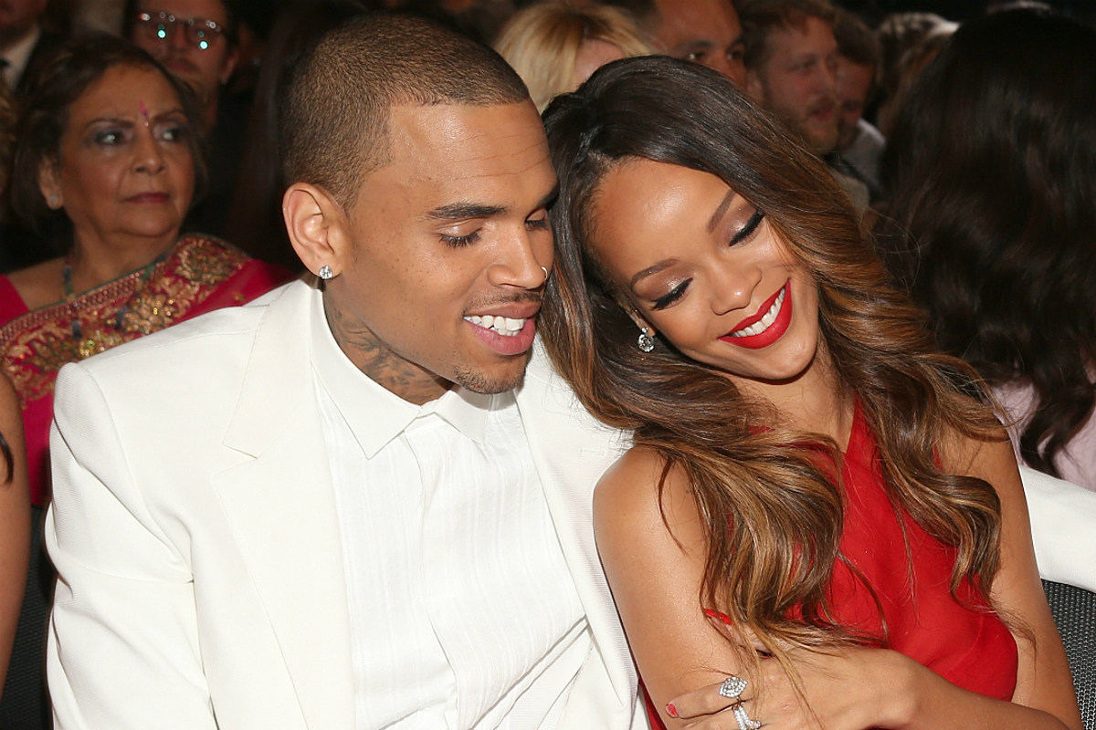 Chris Brown Left the Thirstiest Comments on Rihanna's New Instagram Photo