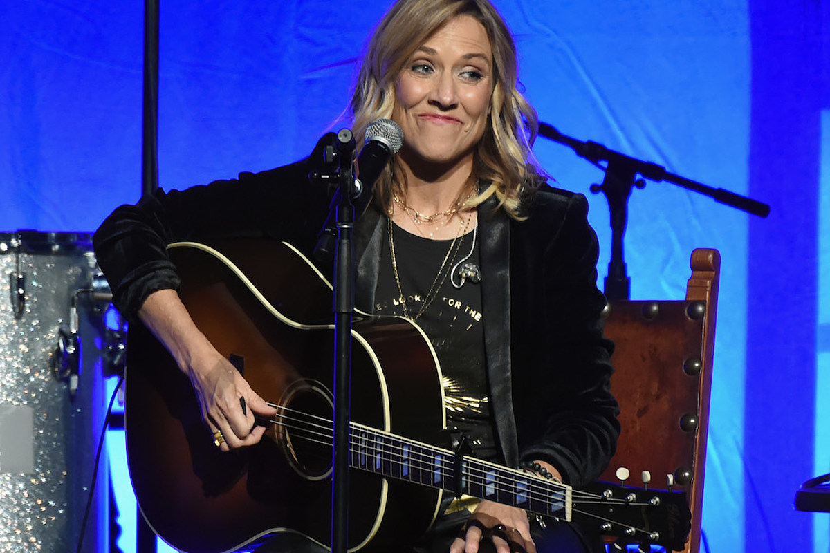 Sheryl Crow Doesn't Understand 'What the Big Stink Was' Concerning Taylor Swift's Masters Drama