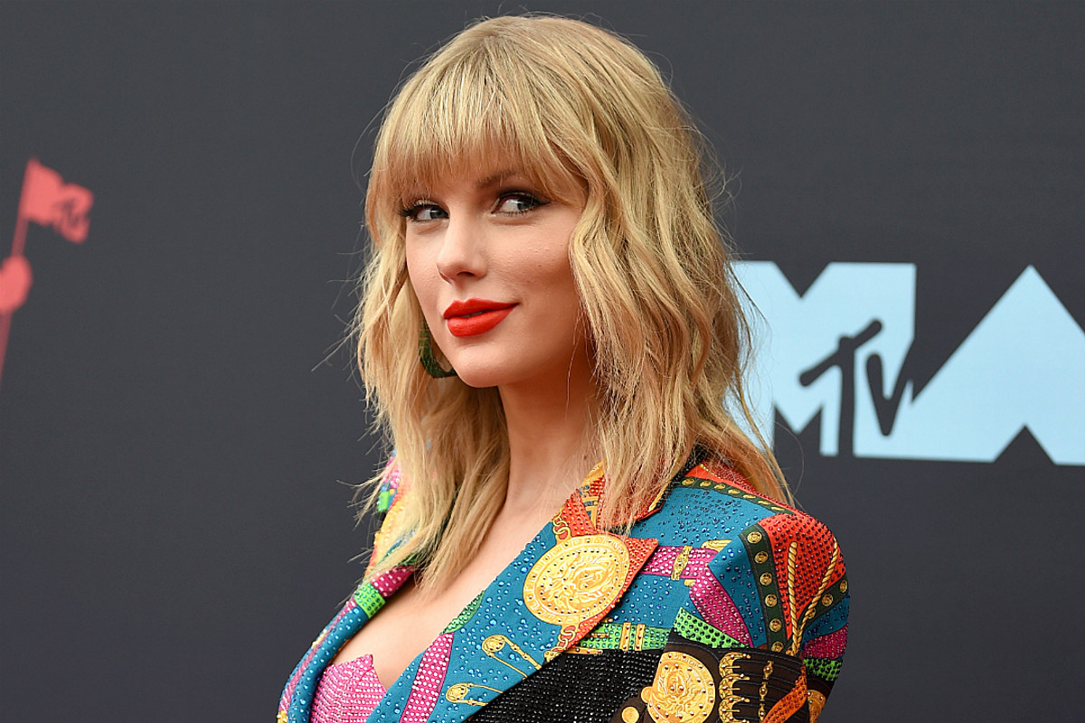 Taylor Swift Announces 2020 Lover Festival See All The Dates