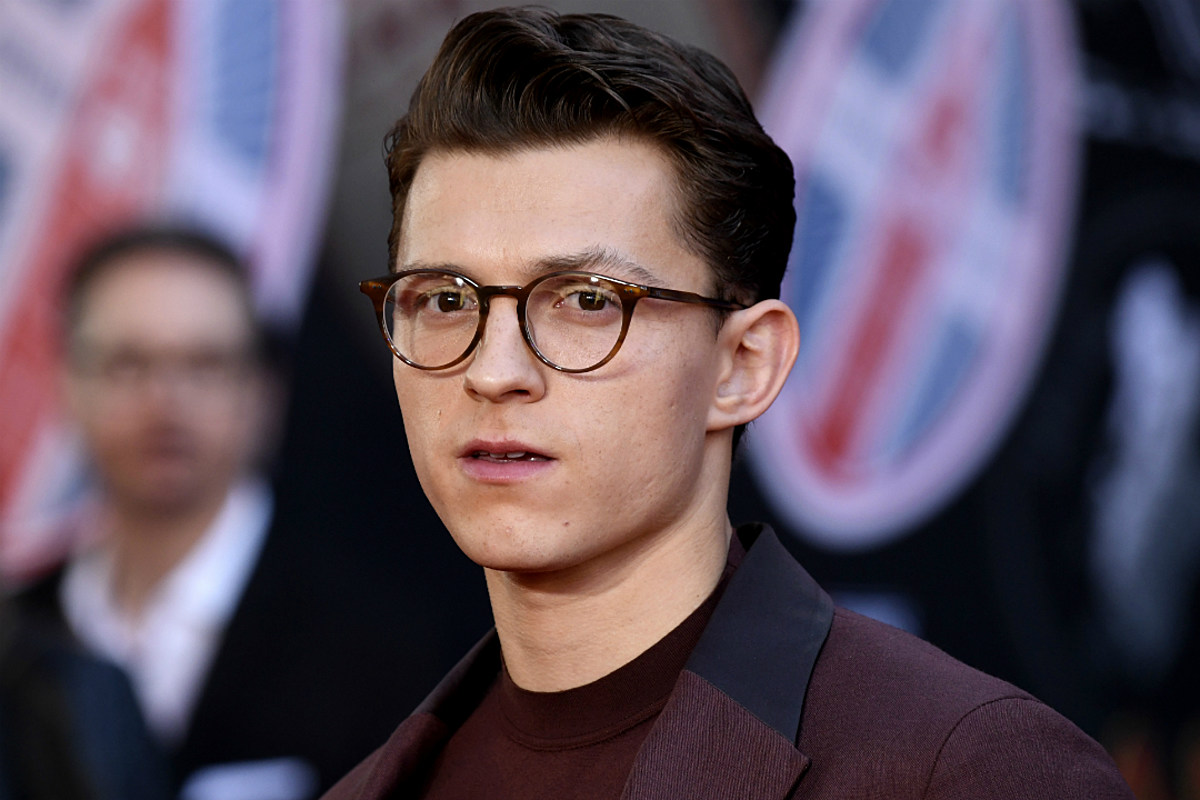 Tom Holland's New Shaved Haircut Sends Fans into an Absolute Frenzy