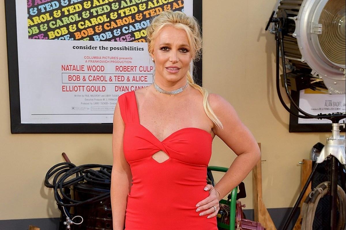 Britney Spears Reveals She Has 'Self Esteem Problems'