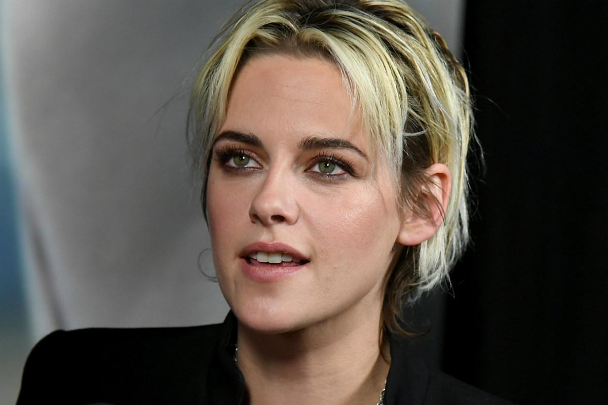 Kristen Stewart Debuts Bright Orange Quarantine Hair