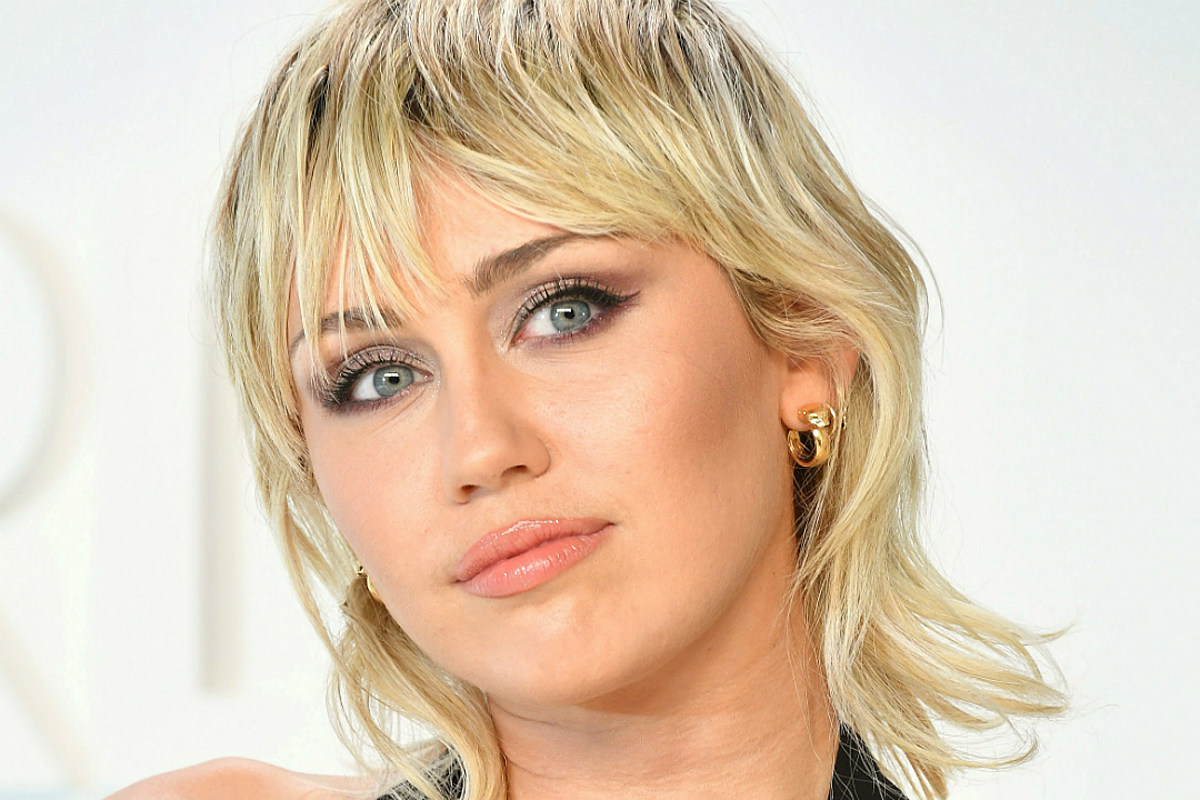 Miley Cyrus Gets Pixie Mullet Haircut From Her Mom Photo