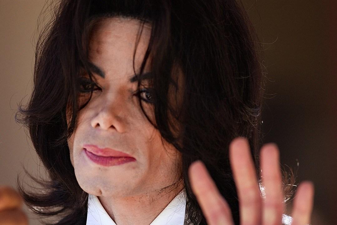 Teen Who Looks Like Michael Jackson Goes Viral