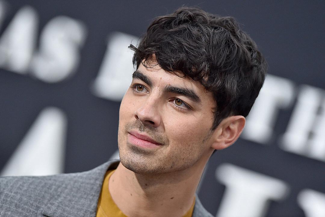 Joe Jonas Wears Face Mask of Brother Nick Jonas' Face