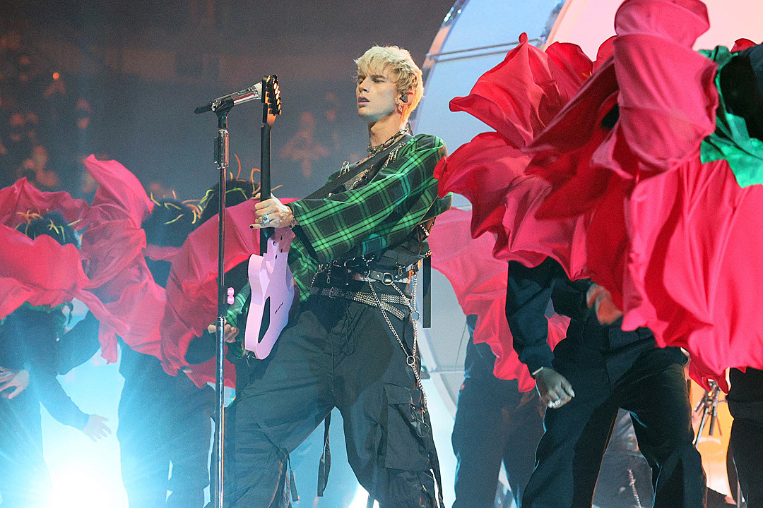 Machine Gun Kelly Throws Punch At Festival-Goer While Performing