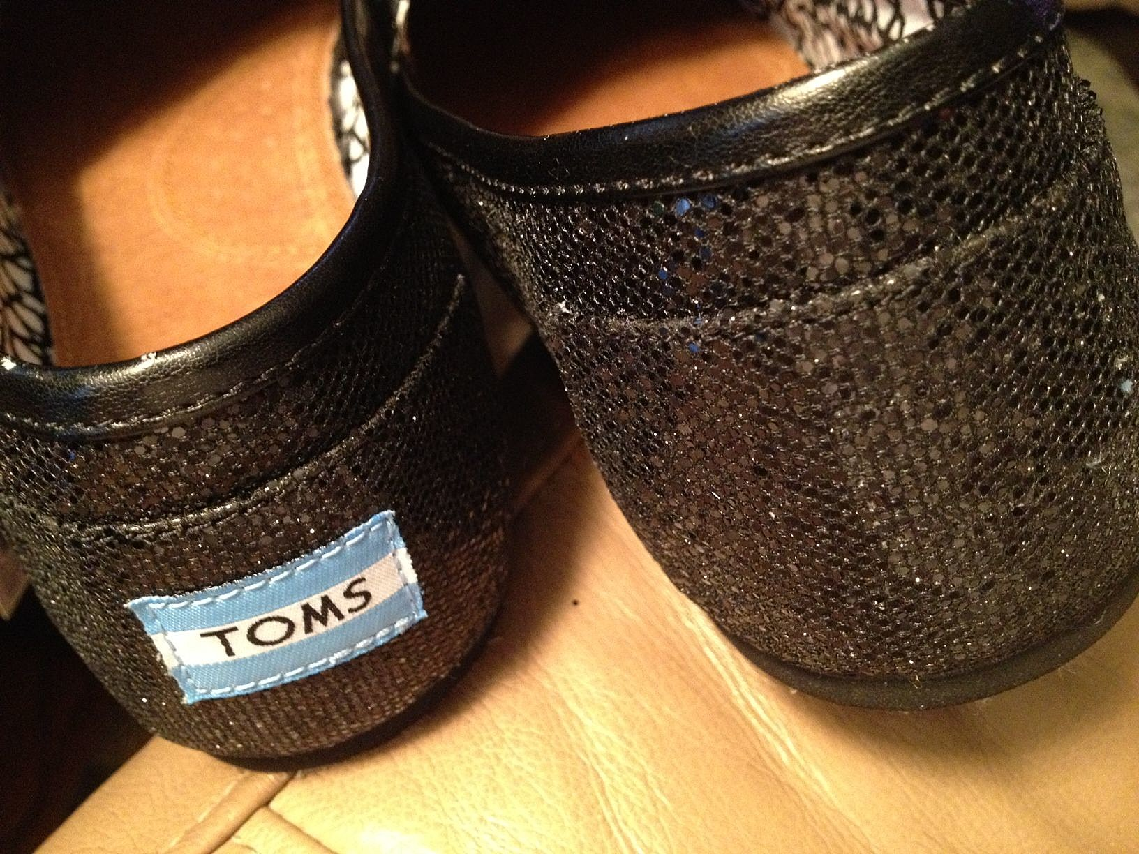 b2cc046ce09 How to Remove the Label from Your Toms Shoes
