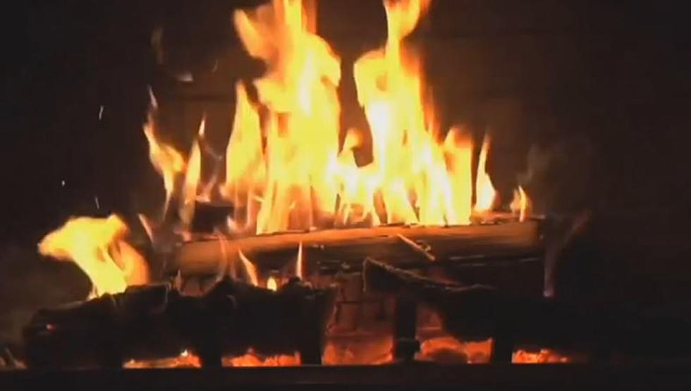 Fireplace With Christmas Music.Put A Fireplace On Your Computer Complete With Christmas