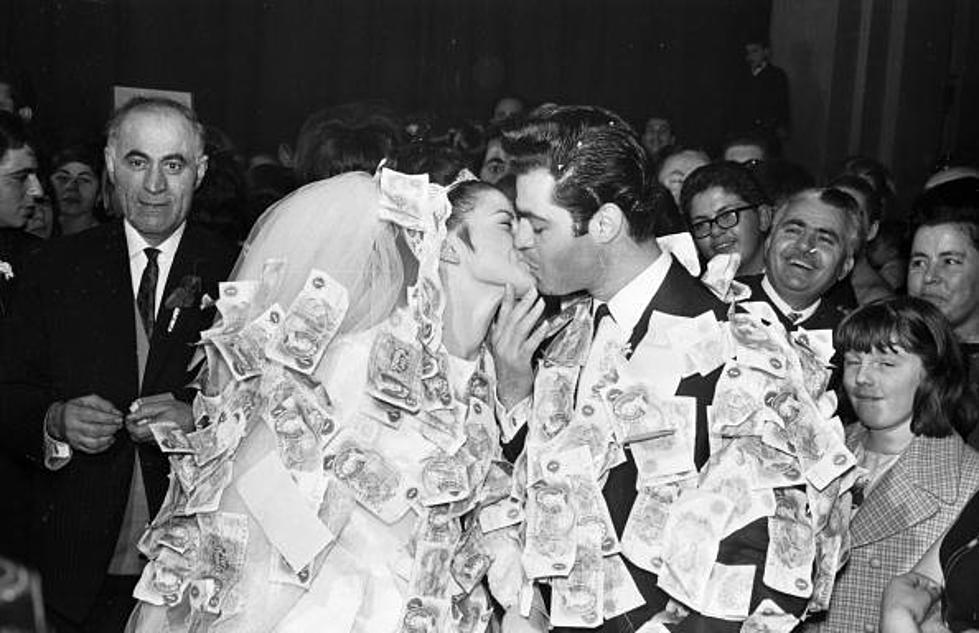 Money Dance Wedding.The Money Dance At Weddings Is Being Replaced With Selfies