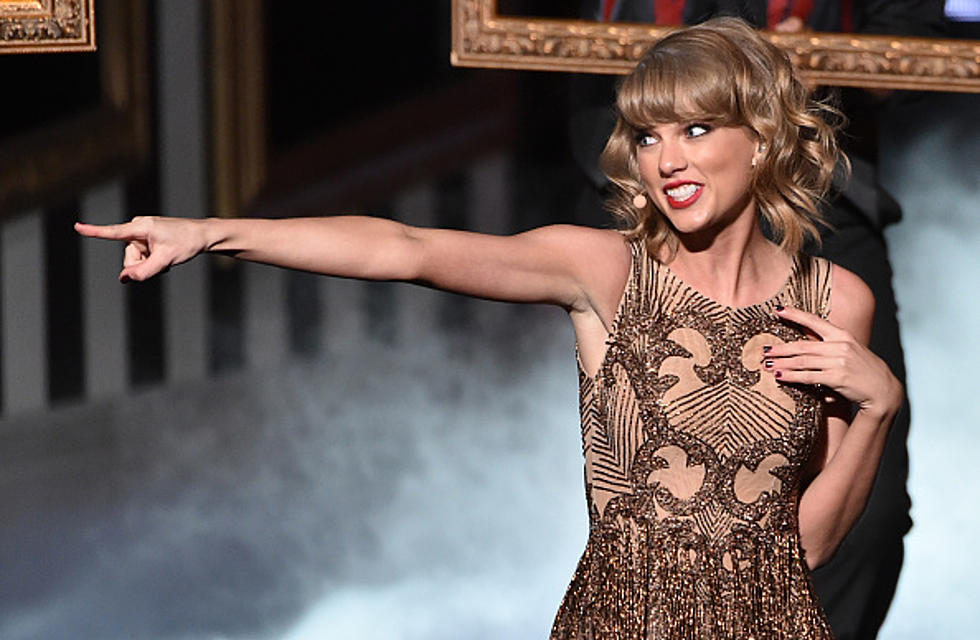 Taylor Slips After New Year S Eve Performance