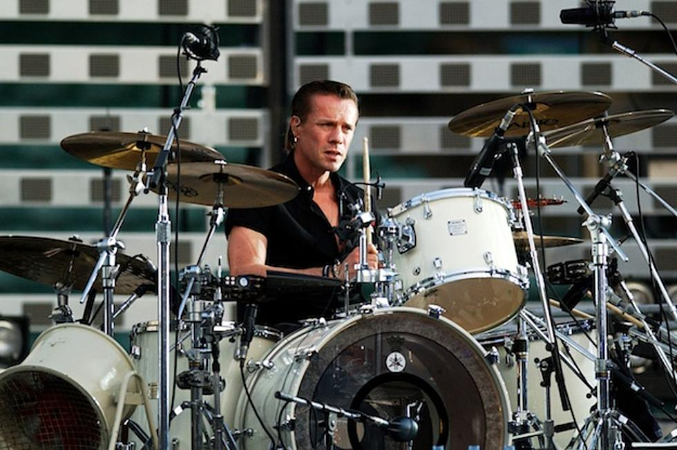 Drummer Larry Mullen Jr  Sings Lou Reed Tribute at U2 Show