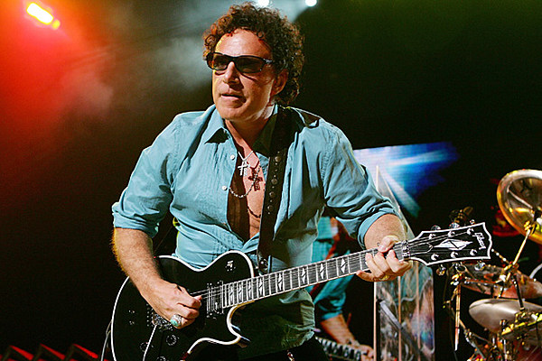 Journey Guitarist Neal Schon Wins Apology From Britain Rsquo S
