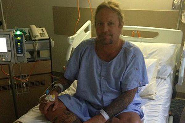 Motley Crue Singer Vince Neil Undergoes Surgery