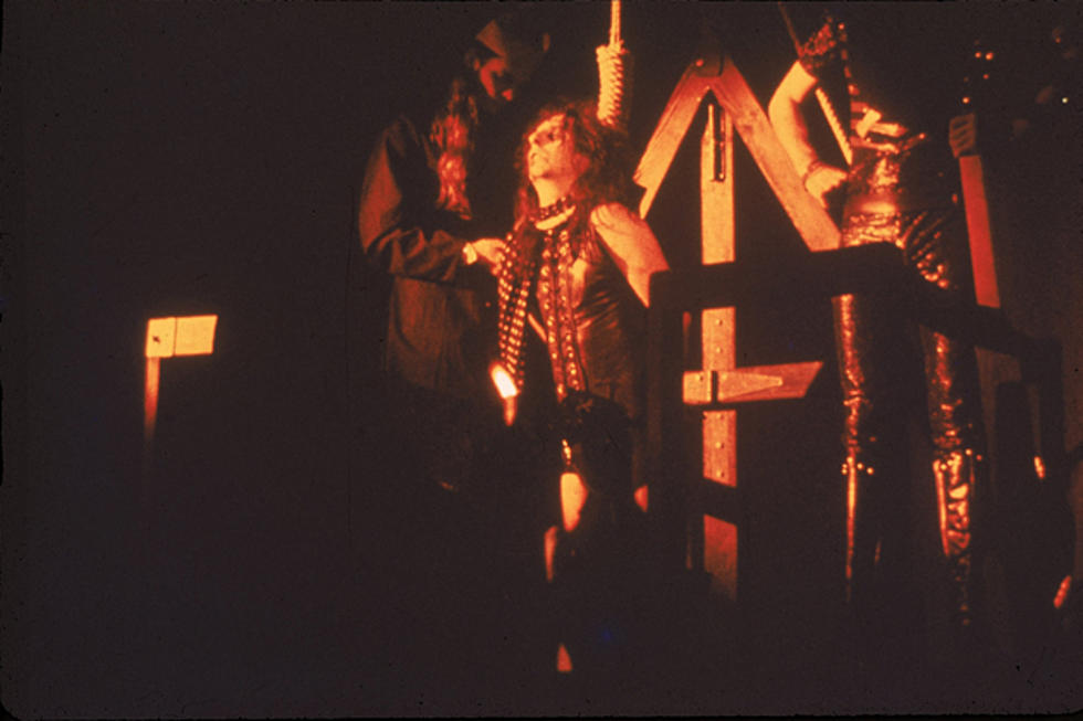 The Night Alice Cooper Almost Hanged Himself     Again